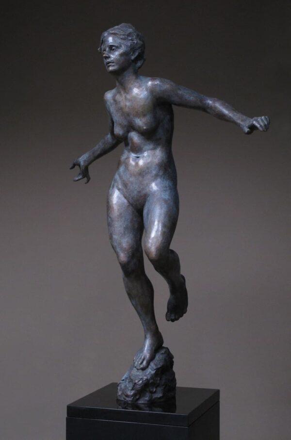 """American Legacy Fine Arts presents """"In a Still Field"""" a sculpture by Alicia Ponzio."""